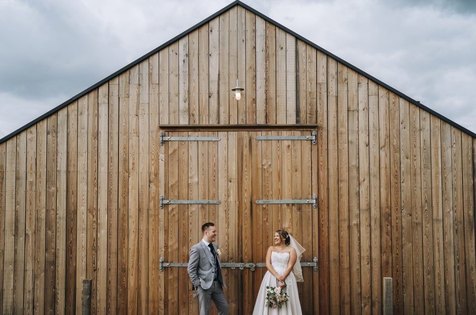 Rebecca & Ryan / Hyde Barn / Gloucestershire Photographer